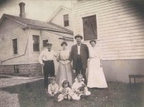 Image of Pueppke Family & Friends in Back Yard - P2001.48.87
