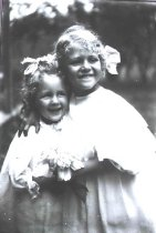 Image of Loewe with her sister - P2002.14.884