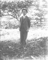 Image of Man at Bruehl Farm - P2002.14.731