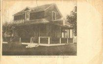 Image of Nic M. Scherer's cottage at Butte des Morts, Wisconsin. - p2003.20.1079