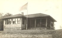 Image of Hudson Bungalow at Butte des Morts, Wisconsin. - p2003.20.1082