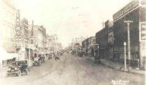 Image of Main St c1922 Oshkosh