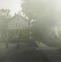 Image of House Moving in Oshkosh - P2006.38.23
