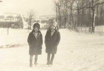 Image of Lynette & Bernice Schultz