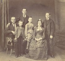 Image of Unidentified Family
