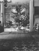 Image of Christmas Tree in the Libbey House - P1945.10.1