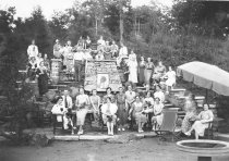 Image of Stein's Employees on Vacation - P1997.54.1