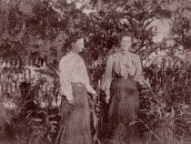 Image of 0000.00.0009 - Mary Bethel and Daughter on Key West Lighthouse Grounds
