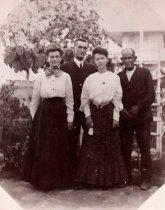 Image of 0000.00.0012 - Mary Bethel and Family on Key West Lighthouse Grounds