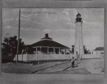 Image of 0000.00.0038 - Boy in Front of Key West Lighthouse