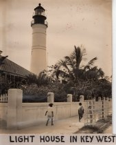 Image of 0000.00.0045 - Children at the Key West Lighthouse