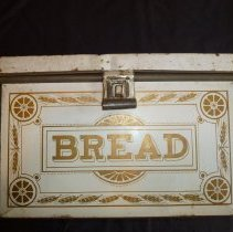 Image of Bread box, front side