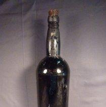 Image of 1982.001.0417 - Bottle