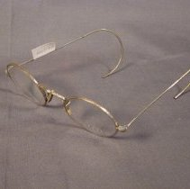Image of 1982.001.103 - Eyeglasses