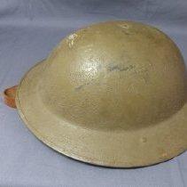Image of 1984.021.001 - Helmet