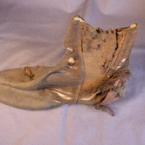 Image of 1991.001.043a - Shoe
