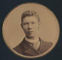Image of T. E. Sands (SMC 1886)