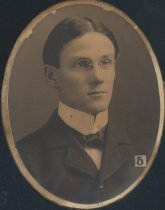 Image of W. E. Smith (SMC 1898)