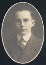 Image of Easton Hubbard Lum (OSU 1918)