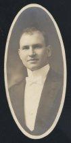 Image of Peter Everett Kern (OSU 1915)