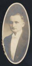 Image of Robert Peter Bausch (OSU 1916)
