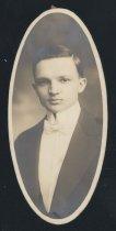 Image of Walter Ernest Dapp (OSU 1916)