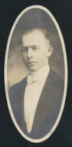 Image of Martin Lewis Helfrich (OSU 1916)