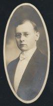 Image of Earl Hurst Ryan (OSU 1916)