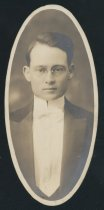 Image of Victor Roy Small (OSU 1916)