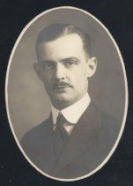 Image of Donald Hall Edwards (OSU 1918)
