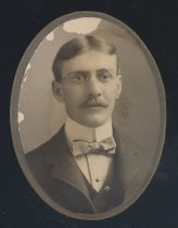 Image of L. J. Wise (SMC 1901)