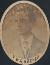 Image of F. W. Gardner (SOMC 1907)