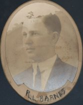 Image of Robert Lenox Barnes (SOMC 1910)