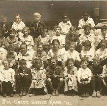 Image of Seneca 5th Grade class: 1917