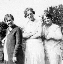 Image of Ella, Clara & Anna Schrader