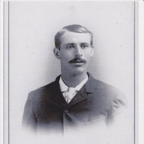 Image of Brown, Chester - 5-P-190