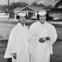 Image of Jue, Helen and Alvarez, Irene - 5-P-459