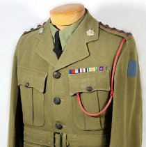 Image of Officers Serge WW II Tunic Captain - /  /