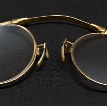 Image of Eyeglasses - Durie Family