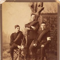 Image of Three Rifleman photo