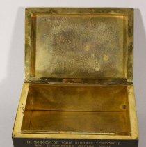 Image of Cigarette Box open