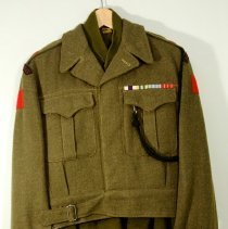 Image of P49 Battle Green Tunic & Sweater -