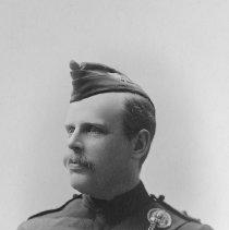 Image of Thompson B, Capt