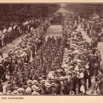 "Image of ""Queen's Own"" off for Valcartier Postcard - 1914/09/"