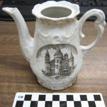 Image of 2014.15.1 - Teapot