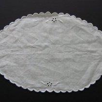 Image of 1973-000-1670 - Domestic Life Sewing & Needlework