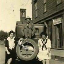 Image of Merna Brown, Bill Vaughn and Ann Borgna