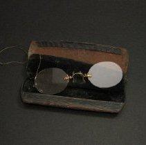 Image of Eyeglassees