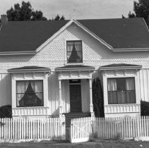 Image of Houses - 1996-006-1371-26
