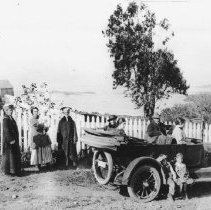 Image of Mallory Family on an Outing